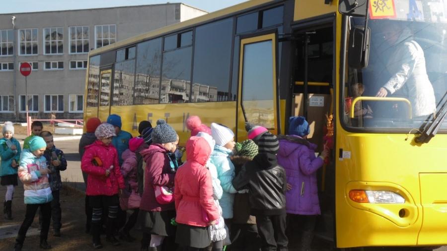 Идею калужских депутатов организовать перевозку детсадовцев поддержали во многих регионах страны