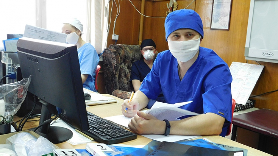 111 студентов-медиков ИАТЭ НИЯУ МИФИ на этой неделе вышли на практику в КБ №8 и МРНЦ