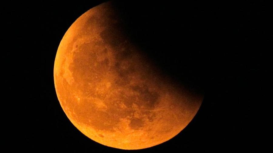 Завтра ранним утром жители Калужской области смогут увидеть полное лунное затмение
