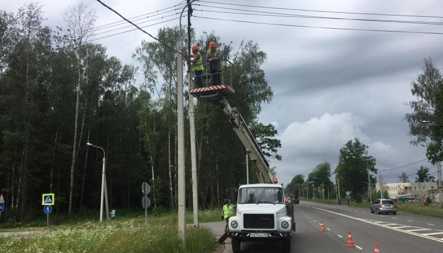 В Обнинске до сих пор устраняют последствия пятничного урагана
