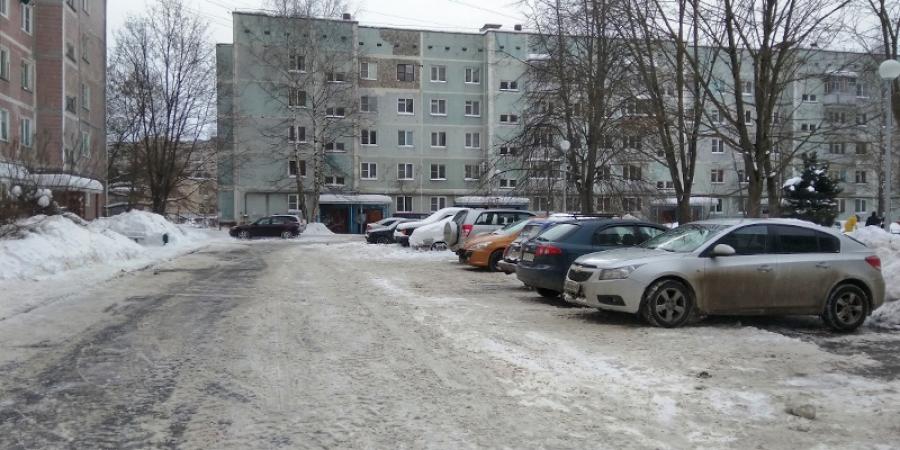 Обнинская УК ЖКУ основательно почистила дворы на Маркса