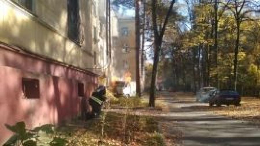 В Обнинске, в Старом городе, сгорел УАЗ