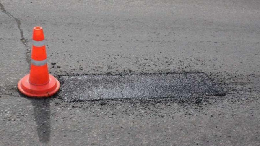 В Обнинске продолжают ямочный ремонт дорог
