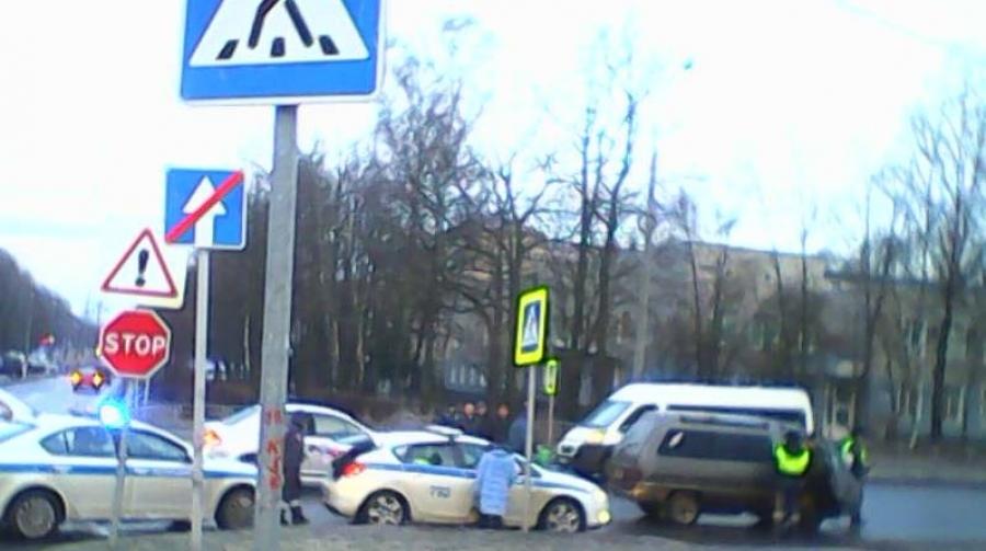 В Обнинске пожилой водитель сбил двух женщин на пешеходном переходе
