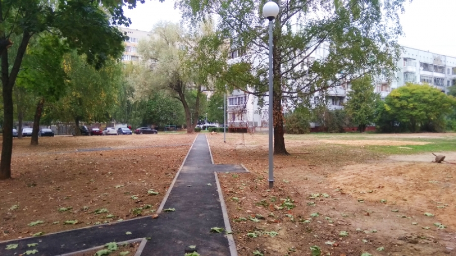 Дворы не по графику: в Обнинске продолжают работы по программе «Комфортная городская среда»