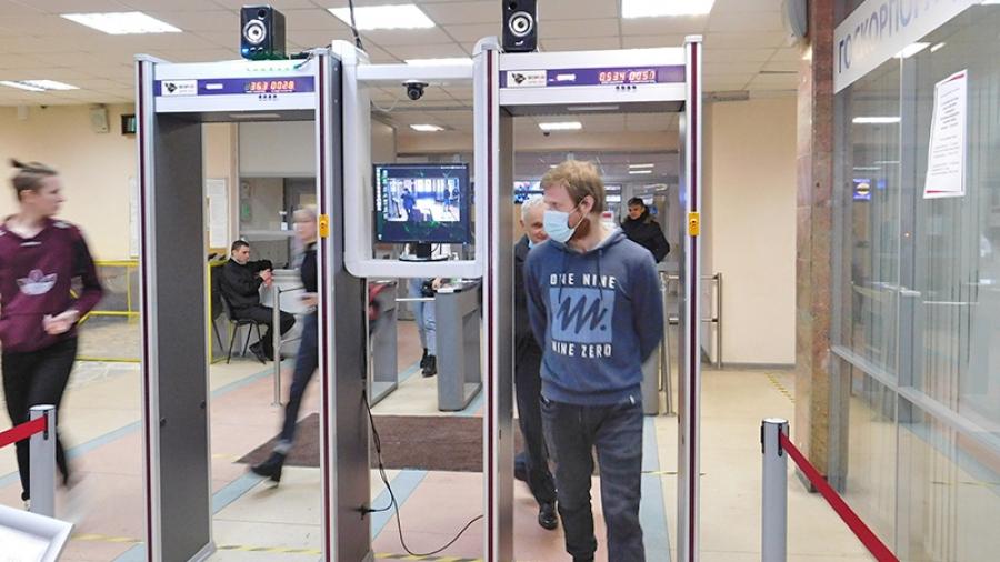 Компактная система компьютерного зрения обнинской инновационной компании «ГК УЭЛЕС» следит за тем, чтобы студенты ИАТЭ входили в вуз в масках