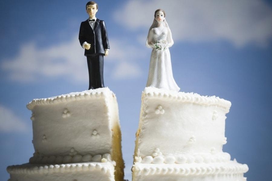 В 2020 году жители Калужской области реже разводились и вступали в брак