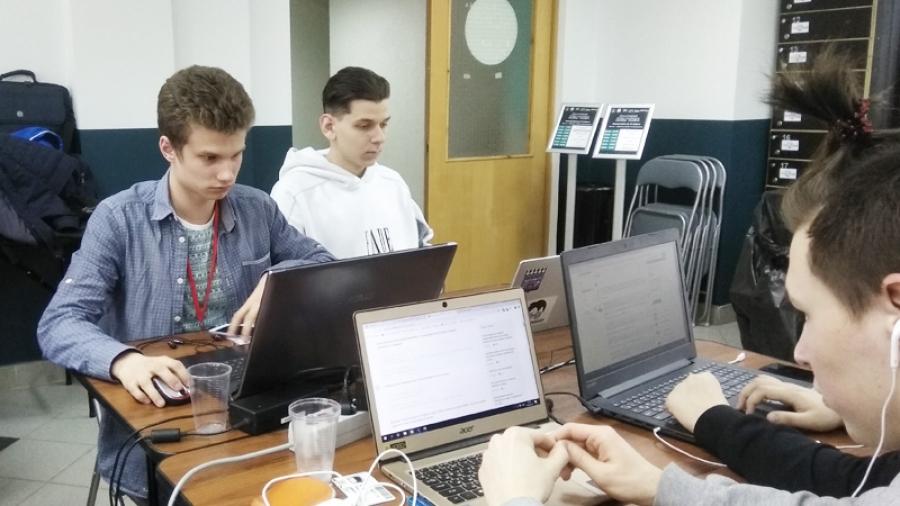 В ИАТЭ прошел VII открытый хакатон для молодых программистов