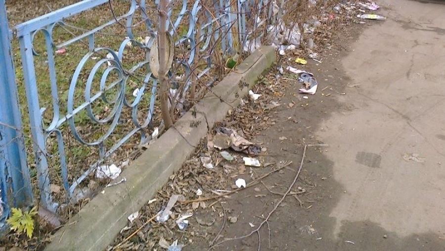Администрация Малоярославца требует от РЖД убрать территорию возле вокзала