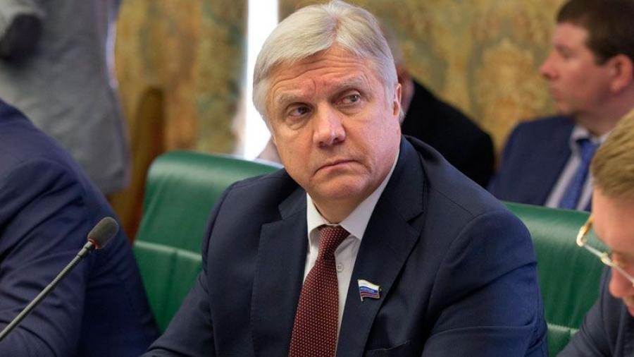 Сенатор от Калужской области Юрий Волков досрочно покидает свой пост