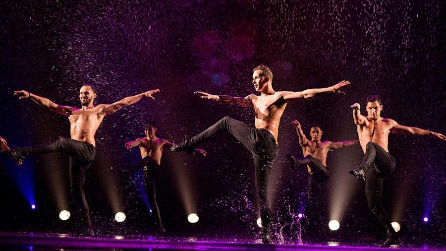 21 сентября на сцене обнинского ГДК петербургский театр «Искушение» покажет шоу «Между мной и тобой»