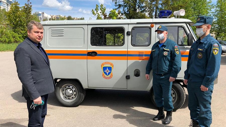 Обнинские спасатели возят медиков брать анализы на COVID-19