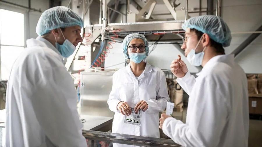 В Малоярославце наладили выпуск искусственного мяса