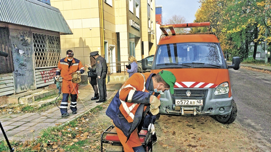 Возле девятой школы Обнинска сносят незаконно построенный магазин «Людмила»