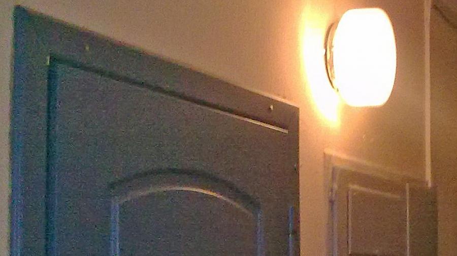 УК «Обнинск» устанавливает в домах «умные» светильники