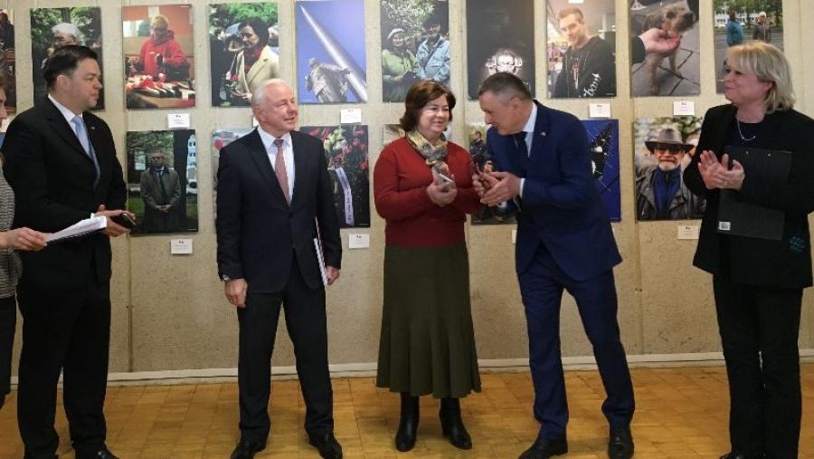 В Обнинске открылась фотовыставка, посвященная 50-летию побратимства Калуги и Зуля