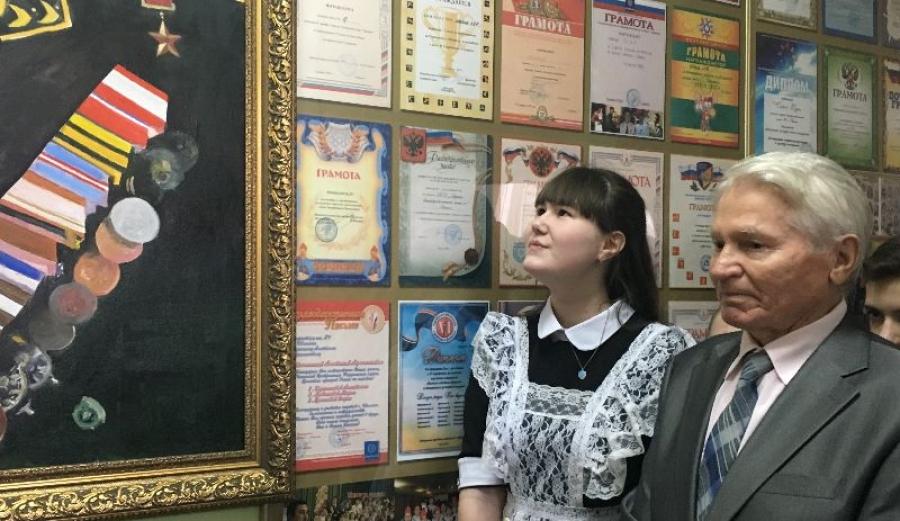 В Обнинске на открытие портрета адмирала Осипенко собрались и адмиралы, и школьники