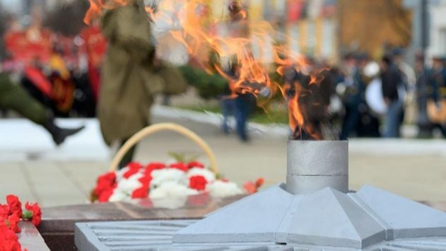 В Калужской области варвар изуродовал Вечный огонь