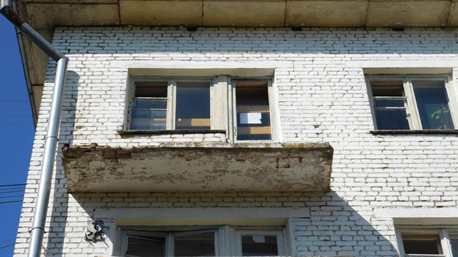 Спустя год после трагедии на ул. Победы балконы обнинского общежития по-прежнему в аварийном состоянии
