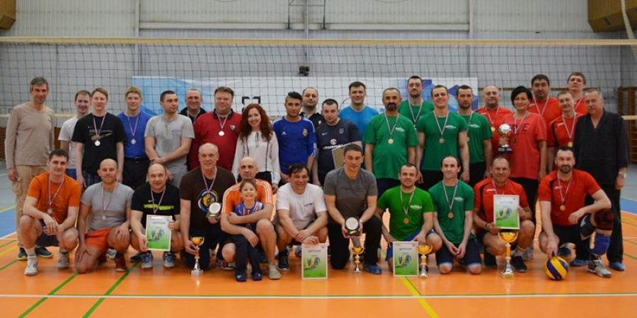 На НЛМК-Калуга определили лучшую команду по волейболу