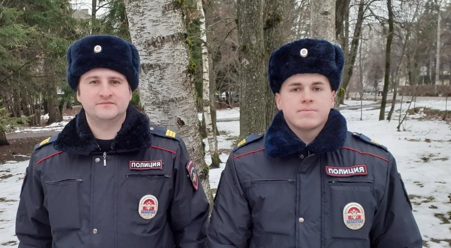 Обнинские полицейские, спасшие людей во время пожара, участвуют в проекте «Герои уходящего года»!