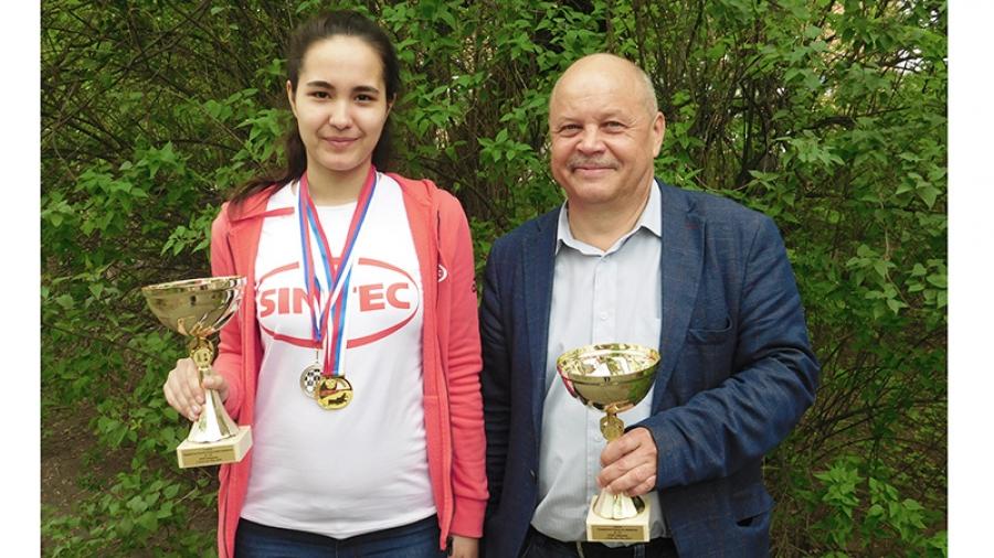 Победив на юношеском чемпионате страны, обнинская 18-летняя шахматистка Анна Афонасьева рассчитывает получить золотые медали европейского и мирового первенства