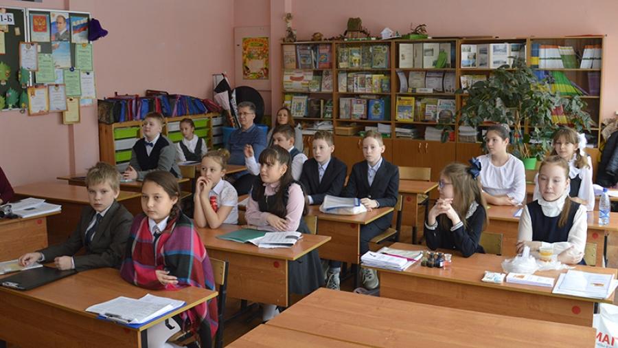 В этом году в открытой обнинской конференции «Интерес. Познание. Творчество» участвовало больше 450 школьников