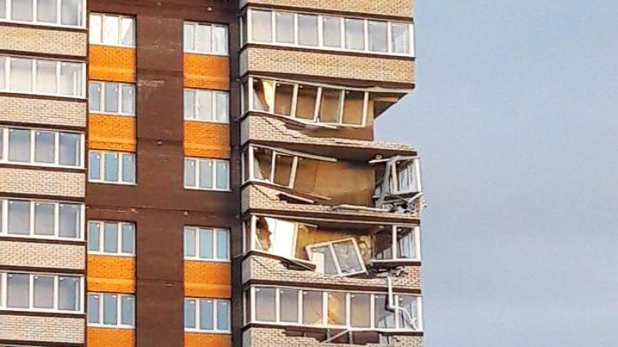 """Возбуждено уголовное дело по факту разрушения балконов в новостройке жилого комплекса """"Мирный"""""""