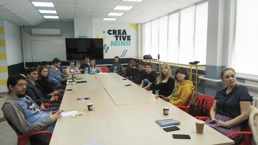 В ИАТЭ проходит серия мастерских, где студентов учат превращать идеи в коммерческий проект