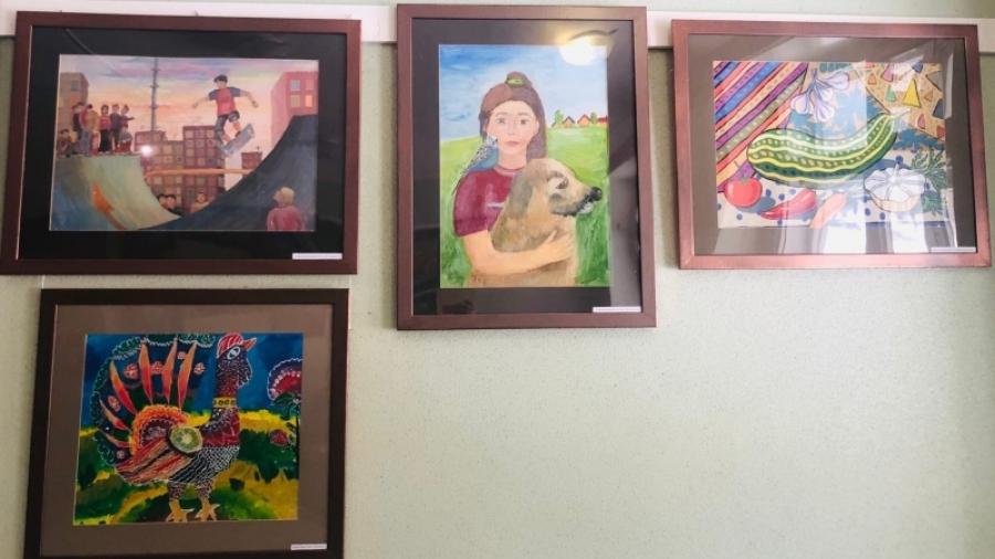 В холле Центральной детской поликлиники появились работы, созданные учениками Детской художественной школы
