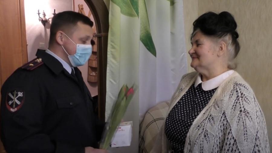 Полицейские Калужской области поздравили женщин с 8 марта песней