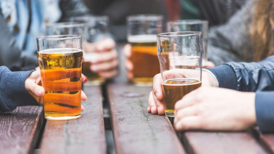 В Калужской области 19-летнему юноше дали полтора года исправительных работ за то, что он склонял несовершеннолетнего к распитию алкоголя