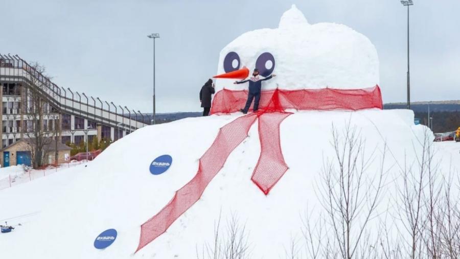 В Калуге слепили самого большого снеговика в России