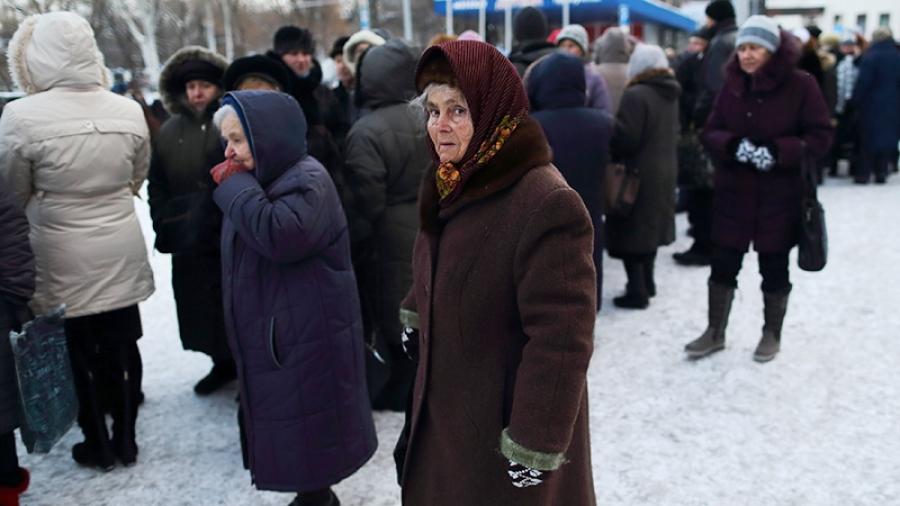 В Обнинске инвалиды вынуждены стоять на улице, чтобы получить необходимые средства реабилитации