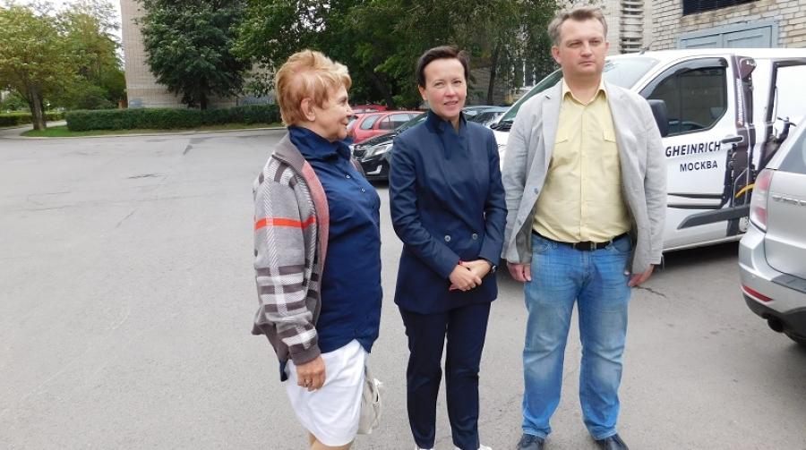 Карина Башкатова посетила 32 микрорайон