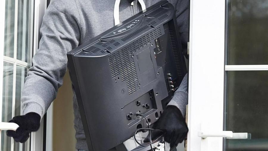 Жительница Обнинска во время пьянки украла телевизор у своей знакомой