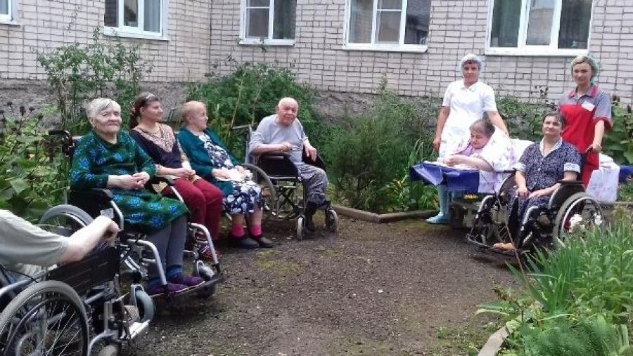 В Калужской области обсудили уход за пожилыми