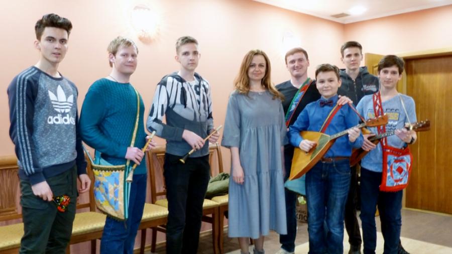 Обнинская поп-фолк-певица Ирина Музалева впервые выступит с инструментальным ансамблем «Играй, рожок»