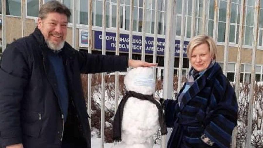 Первые лица Обнинска слепили снеговика и выложили фото в Сеть