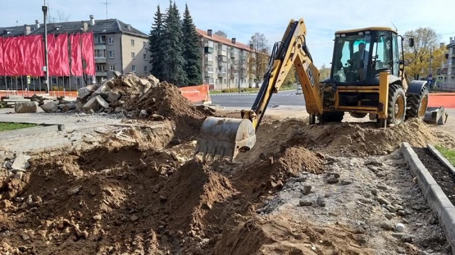В Обнинске ремонтируют главный памятник города — мемориал Вечный Огонь