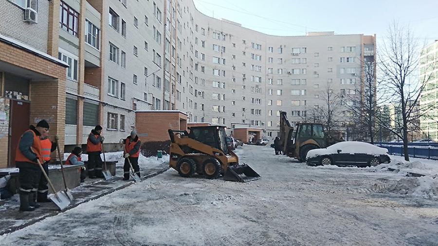 """Управляющая компания """"ПИК-комфорт"""" обещает: зимой во дворах будет чисто"""