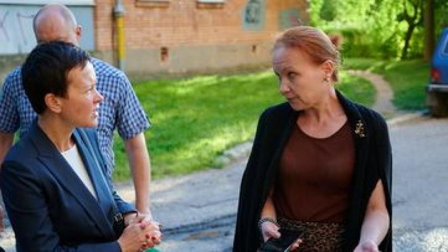 Карина Башкатова встретилась с жителями домов Аксенова, 15 и Энгельса, 11