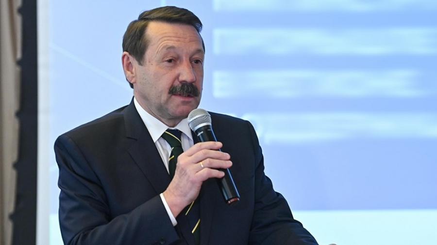 Обнинску нужны новые клиники. Об этом говорил депутат Госдумы Геннадий Скляр на встрече с коллективом МРНЦ