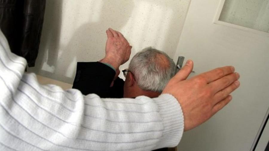 Пожилого жителя Обнинска бьют соседи по коммунальной квартире