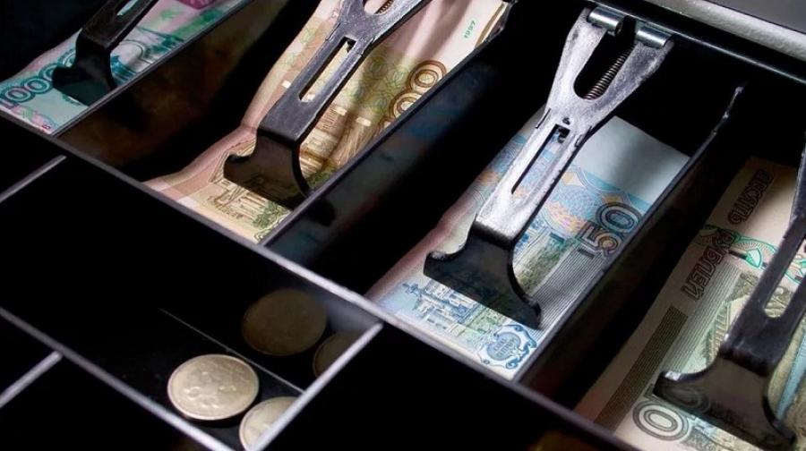 Продавец детского магазина в Обнинске в течение 9 месяцев крал деньги из кассы