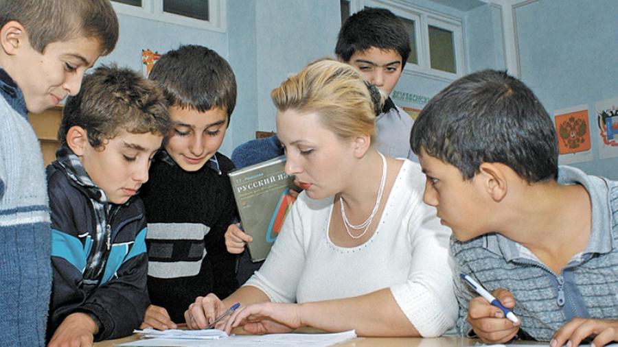 «Перелетные дети»: большинство из 132 детей, подавших этим летом заявления в обнинские школы, с трудом говорят по-русски