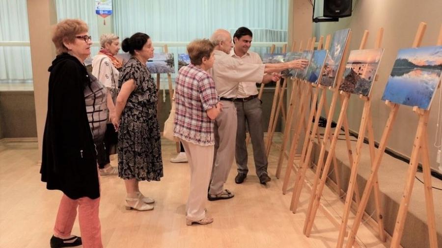 Калужане на Святой земле показали израильтянам картины о русском севере