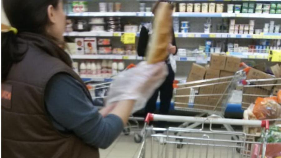Обнинцы возмущаются, что им продают грязный хлеб