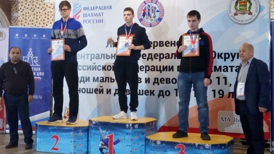 Обнинский шахматист взял «золото» и «бронзу» на первенстве ЦФО