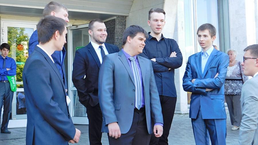 Почти четверть дипломов выпускников обнинского ИАТЭ — красные